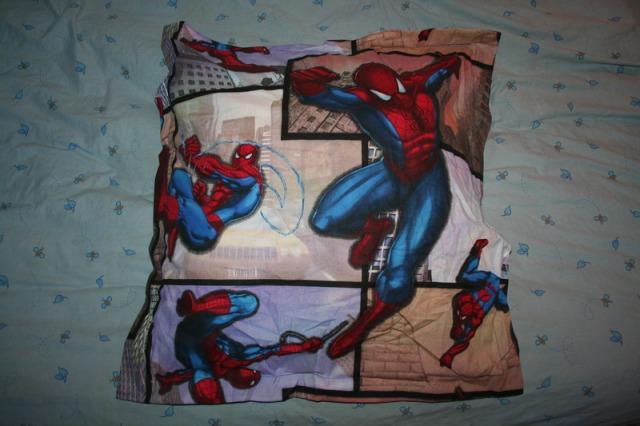 tuto taie d oreiller spiderman gourmandisestactiles. Black Bedroom Furniture Sets. Home Design Ideas
